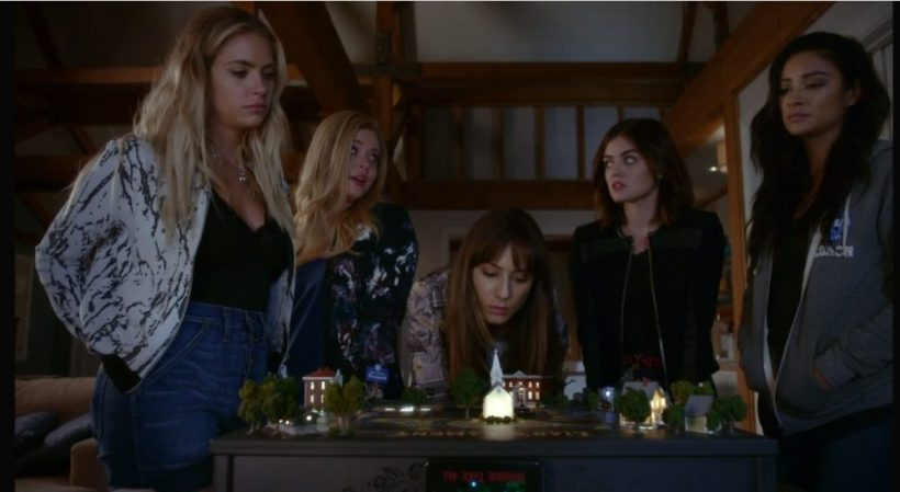 "PLL Top Moments: 7x12 ""These Boots Were Made for Stalking"""