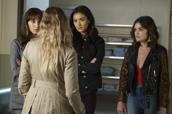 Pretty Little Liars 7x13 - TROIAN BELLISARIO, SHAY MITCHELL, LUCY HALE