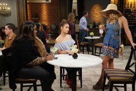 Young & Hungry 5x07 - 06