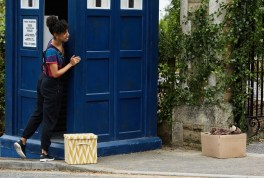 Doctor Who 10x04 - 22
