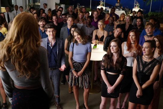 Famous In Love 1x05 - 01