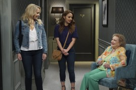 Young and Hungry 5x08 - 20