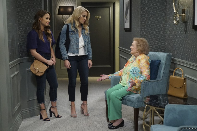 "Young & Hungry 5x08 "" Young & Vegas Baby"""