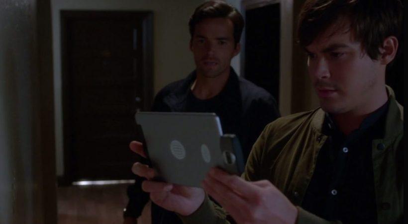 Pretty Little Liars 7x18 - Ezra and Caleb