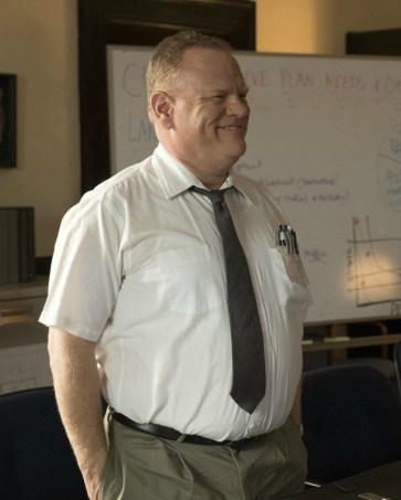 The Mayor 1x01-47