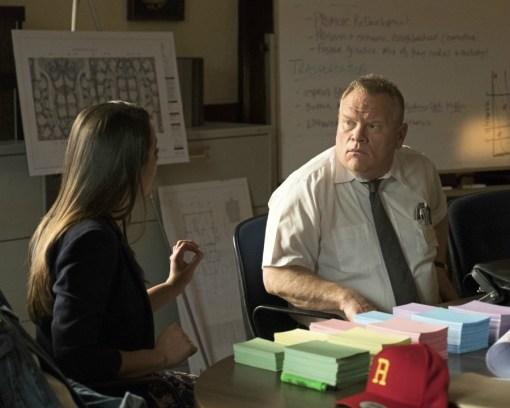 The Mayor 1x01-51