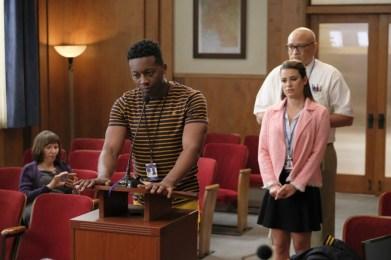 The Mayor 1x02-7