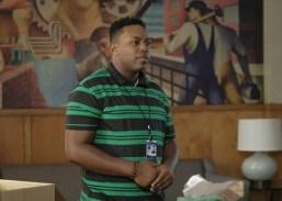 The Mayor 1x03-16