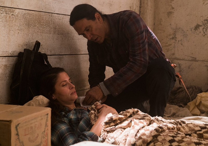 Fear The Walking Dead 3x14 El Matadero Michael Greyeyes Mercedes Mason