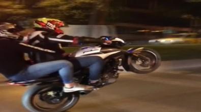 'Selfie' Modunda Beşiktaş'ta Motosikletli Trafik Terörü