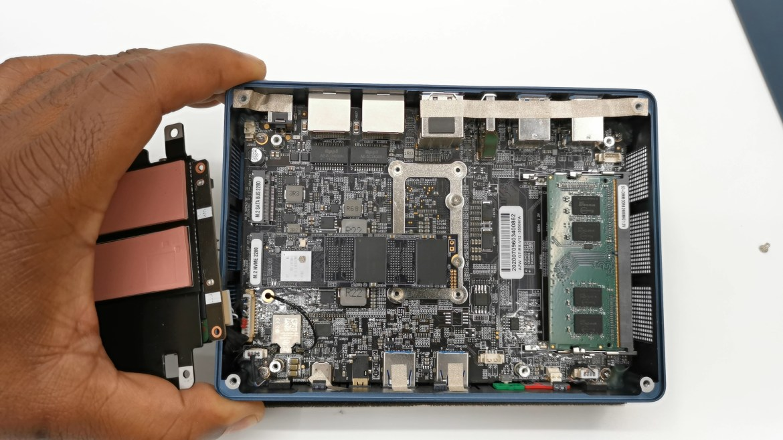 Beelink GTR Mini PC RAM and M.2 slots