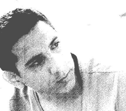 مصطفى: مؤسس ورئيس التحرير.