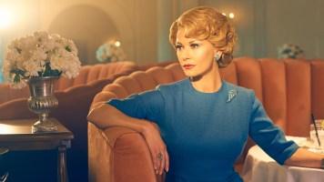 كاثرين زيتا جونز تقدم دور الممثلة اوليفيا دي هافلاند