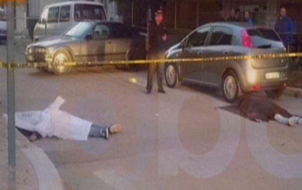 """atentati-lushnje1 Tirana Observer: """"Atentat në Lushnje, vriten 2 të rinj"""" plus 9 more"""