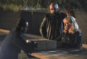 """Good Girls"" Review, Season 4: The Beth / Dean Relationship, Rio Backstory"