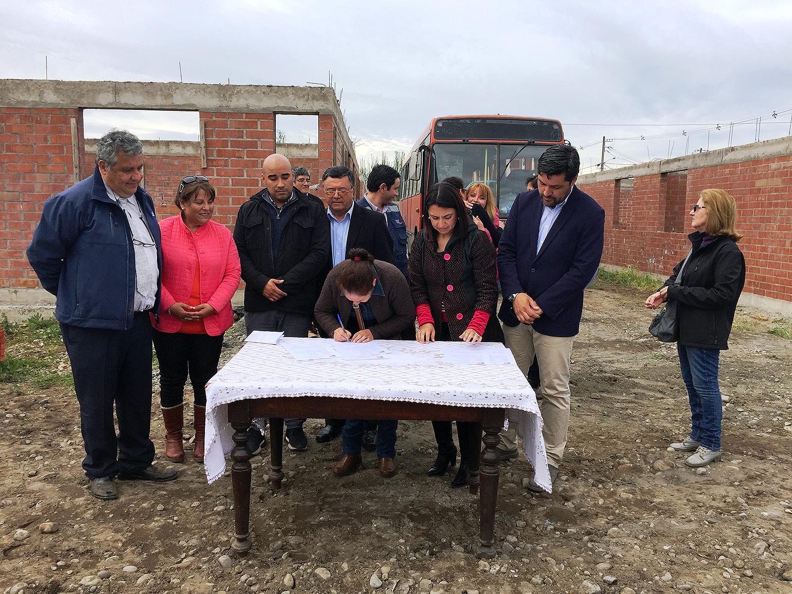 Reanudan trabajos en proyecto habitacional de Molina abandonado por ...