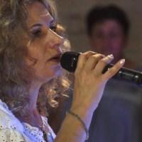 """Angela Amico et la chorale """"de bouche à oreille"""" - Ave Maria"""