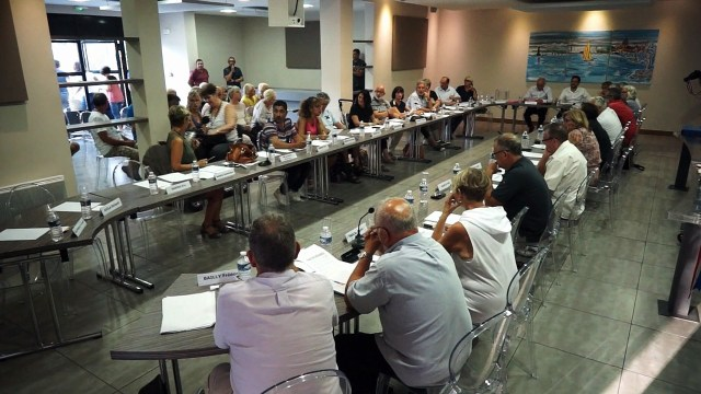 Conseil municipal de la ville de Mèze du 19-09-18  -Transfert de compétence vers l'agglo