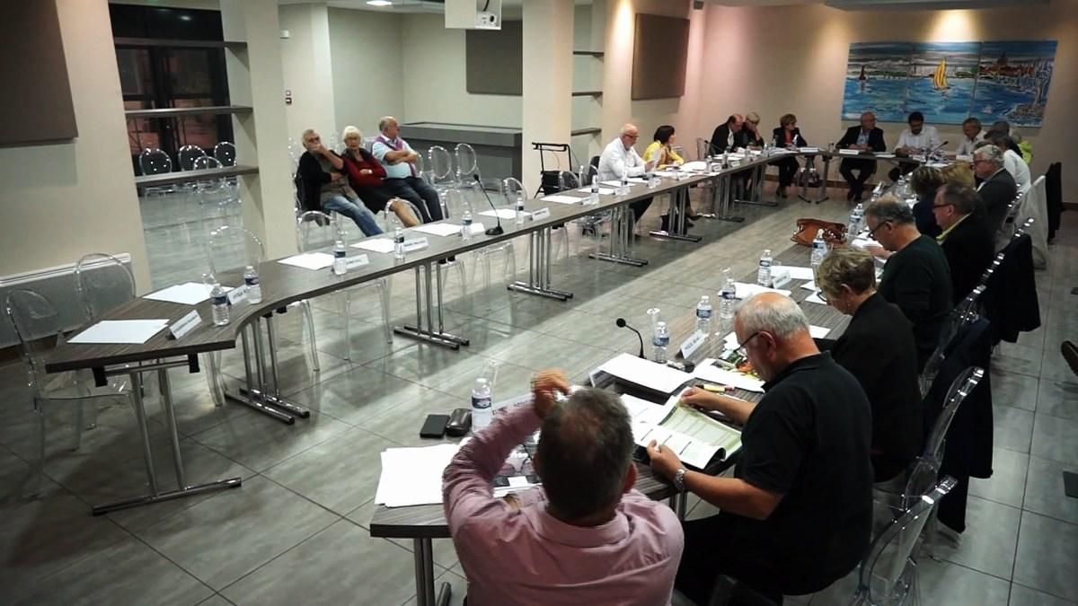 Conseil municipal de la ville de Mèze du 17-10-18  - comptes-administratif de l'agglo