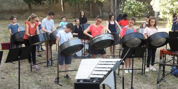 Concert de l'école de musique de Mèze au parc du Château de Girard de Mèze