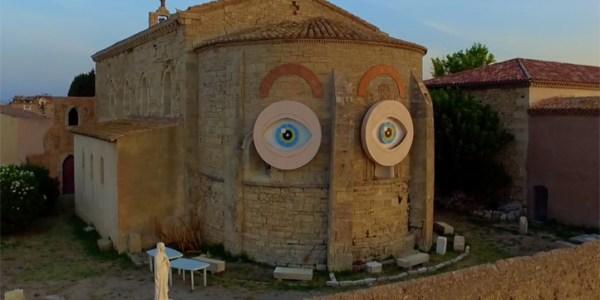 Les yeux de la Chapelle des Pénitents de Mèze