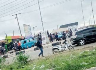 Heavily armed security operatives on Saturday took on the Yoruba Nation Mega Rally place