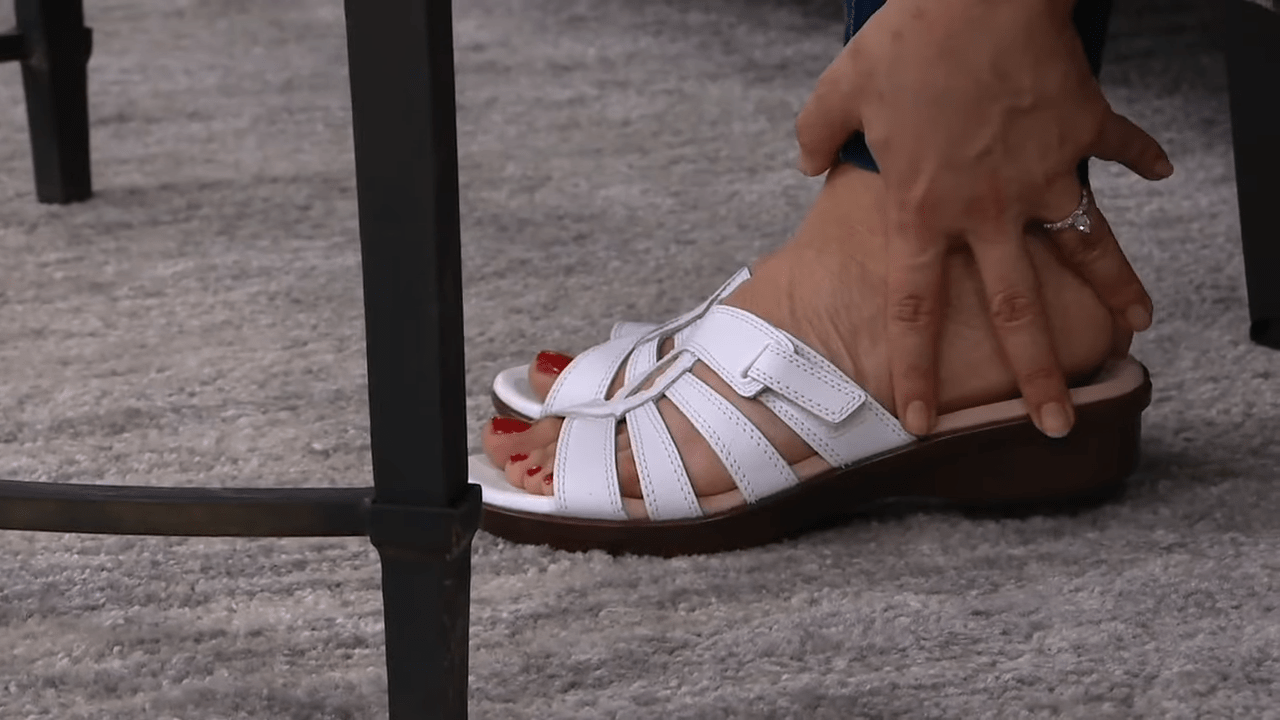 Clarks Collection Leather Slide Sandals - Loomis Gale on QVC 3-25 screenshot