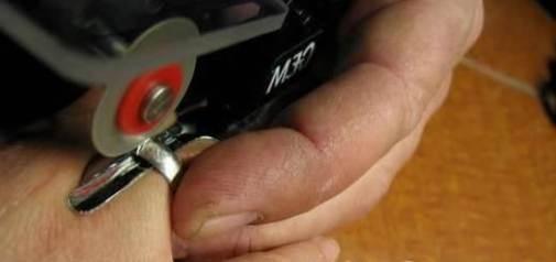 Как-снять-застрявшее-кольцо-с-пальца-Полезные-советы-и-рекомендации-8