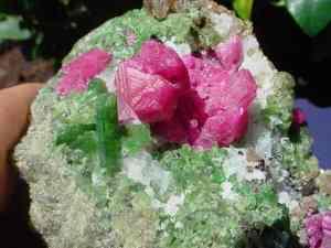 Диопсид-Свойства-происхождение-и-разновидности-минерала-1