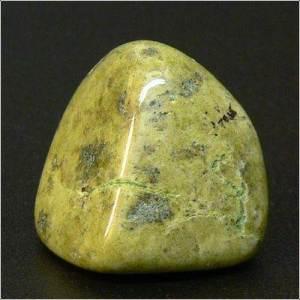 Эпидот-История-происхождение-и-свойства-камня-6