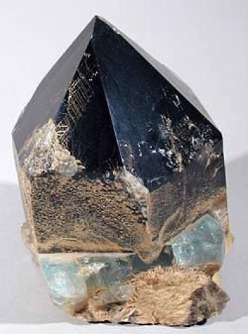 morion-istoriya-proisxozhdenie-i-svojstva-minerala-3