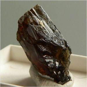 Энстатит-История-происхождение-и-свойства-камня-2