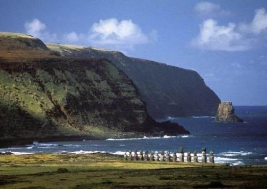 Остров-пасхи-и-его-гигантские-идолы-3