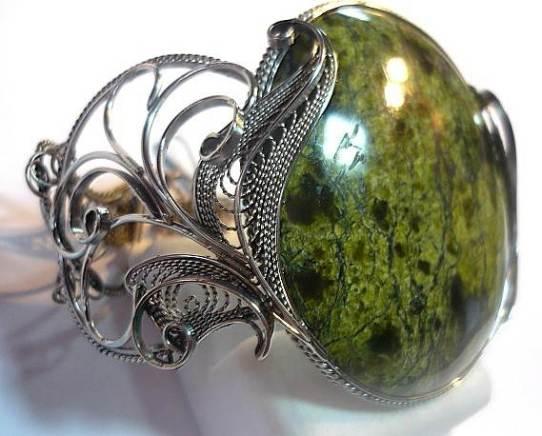 Камень-змеевик-Свойства-змеевика-Описание-змеевика-6