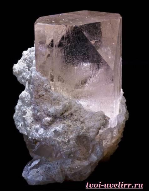 Камень-топаз-Свойства-топаза-Цена-топаза-5