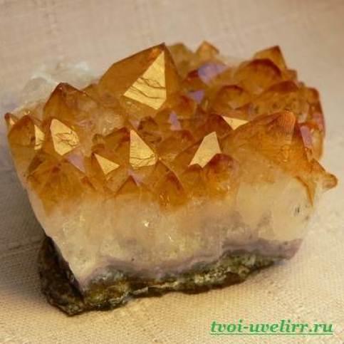 Камень-цитрин-Описание-свойства-и-применение-цитрина-1