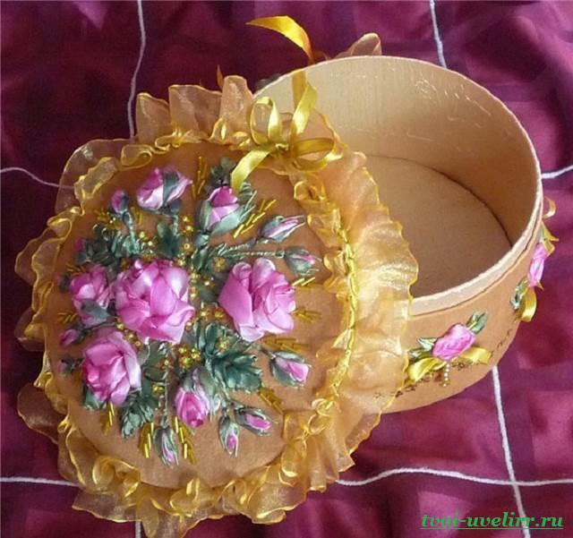 Цветы-из-лент-Как-сделать-цветы-из-лент-своими-руками-10