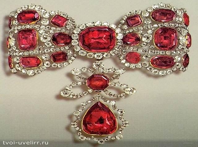 Красный-камень-Популярные-красные-камни-4