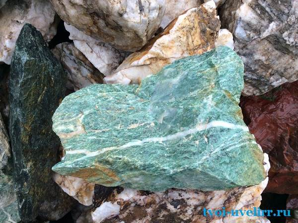 Лиственит-камень-Описание-и-свойства-лиственита-1