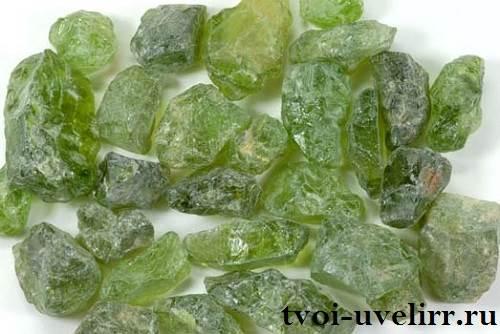 Перидот-камень-Свойства-перидота-Описание-перидота-1
