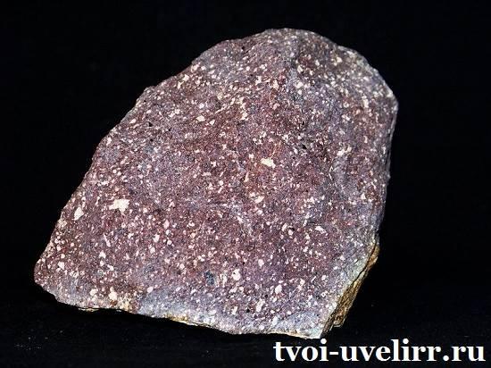 Сиенит-камень-Свойства-сиенита-Применение-сиенита-3