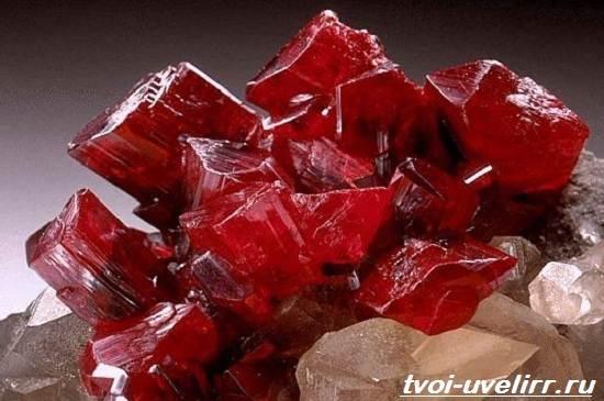 Реальгар-минерал-Описание-свойства-и-применение-реальгара-1