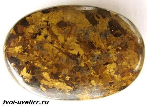 Что-такое-бронзит-Свойства-добыча-применение-и-цена-бронзита-1