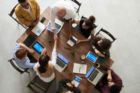 Razvijanje socijalnih vještina će Vam pomoći u poslovnim odnosima.