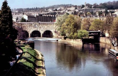 Pulteney Bridge, Bath. 18th century covered bridge with shops on both sides of the interior