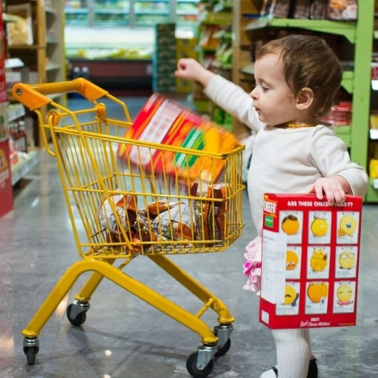 child at grocery store