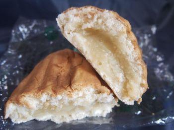 呉市メロンパン本店のメロンパン