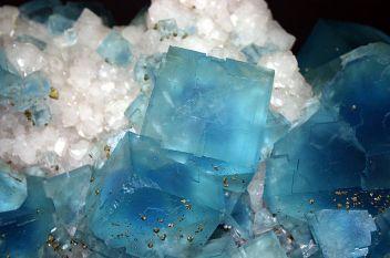 Fluorite Milano - Museo storia naturale - Fluorite - Foto Giovanni Dall'Orto 22-Apr-2007 - Wiki Commons
