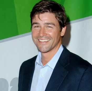 Kyle Chandler Biography, Age, Net Worth, Wife, Family, Daughters, Colonel Cathcart