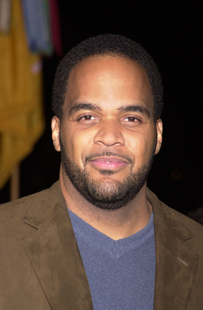 Happy Together Victor Williams Joins Cbs Comedy For